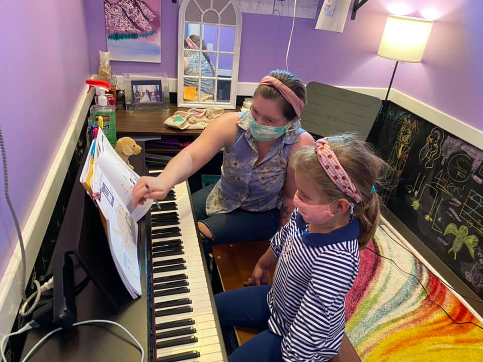 Music lesson with mask